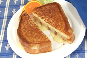 FIT FOR ROYALTY GRILLED CHEESE