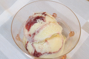 Raspberry Champagne Swirl Ice Cream