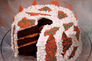 TREATURE FEATURE HALLOWEEN CAKE